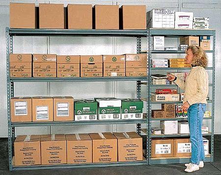 מדפים למחסן לאחסנה